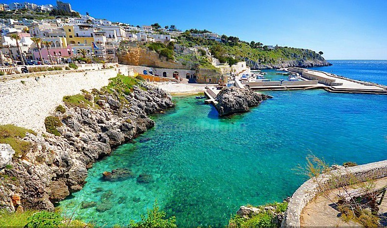 Best-beaches-in Puglia-Castro-Marina